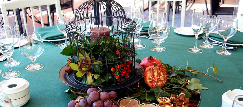 Frutas y flores para los centros de mesa de tu boda