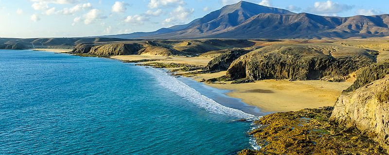 Lanzarote, isla de contrastes y una fuente de inspiración para quiénes la visitan.